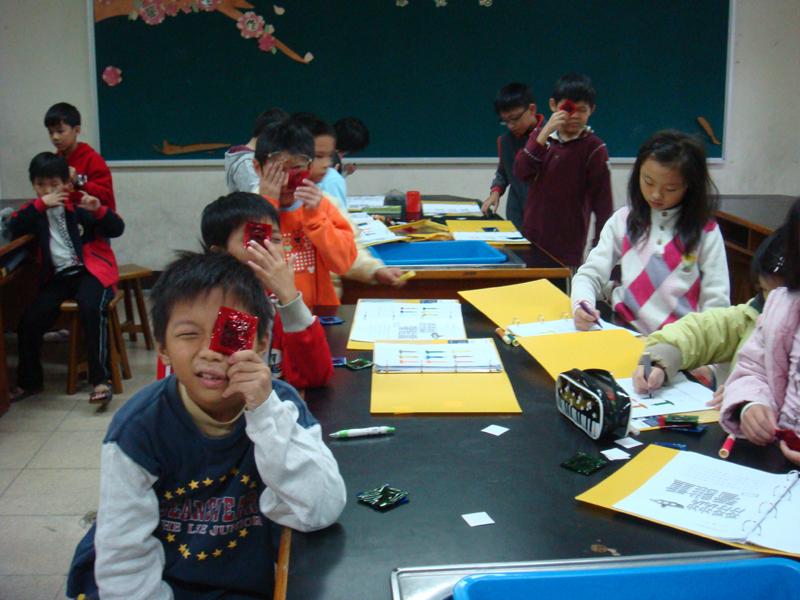 2012年11月24月 文化國小社團活動 色彩與光