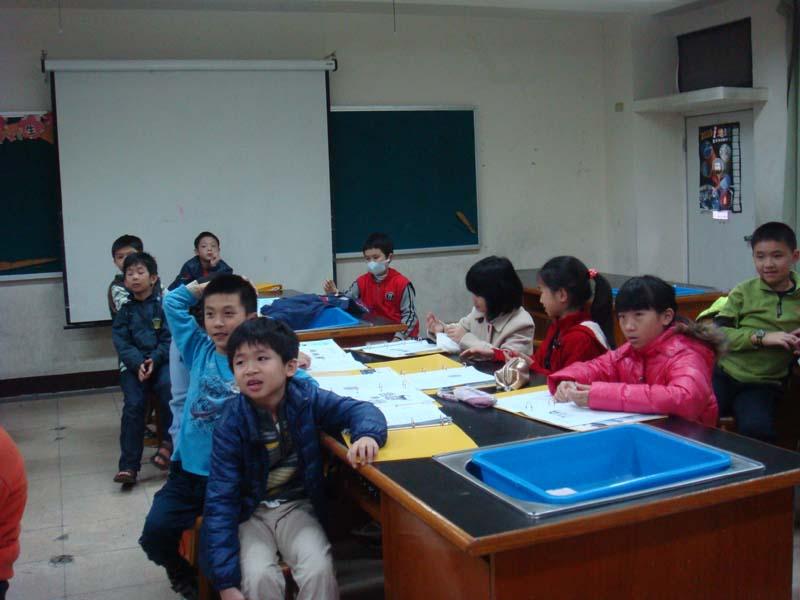 2012.12.01 文化國小社團活動 採出杯子上的指紋